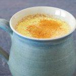 Toplo kurkumino zlato mleko