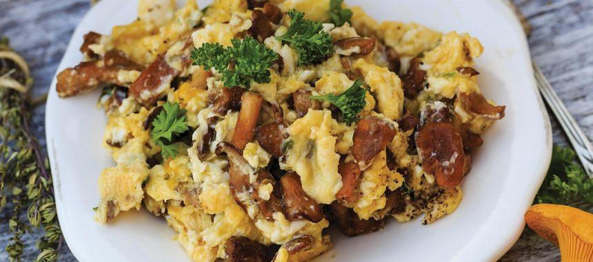 Lisičke z jajci – okusna poletno-jesenska jed