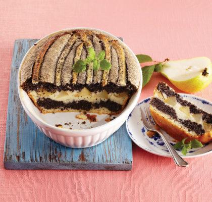 Makov kolač z jesenskim sadjem