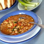Fižolova juha (enolončnica) po receptu naših babic