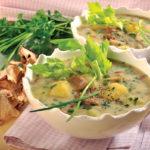 Krompirjeva juha s spomladanskimi zelišči